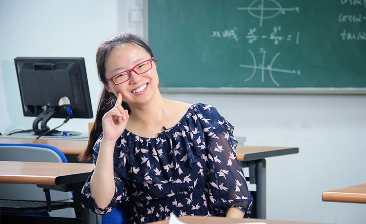 5 于国文,1997年接受春蕾计划资助,现就读于北京师范大学,攻读博士学位.jpg