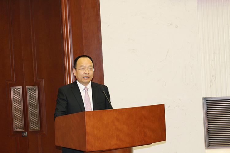 中国儿童少年基金会秘书长朱锡生致欢迎词.jpg